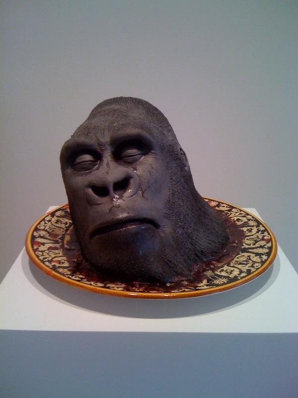 Grottesca (testa Gorilla su piatto), 2009
