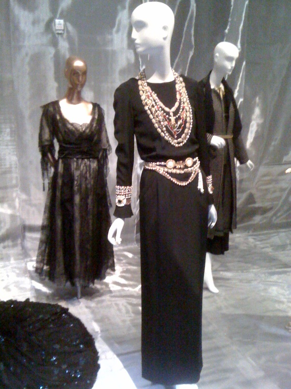 Mrs Andrew Carnegie, Jeanne Dimelow evening dress, 1915, Tina Chow, Chanel (lagerfeld)