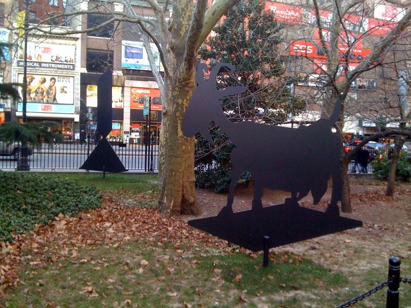 Sculpture Silhouette (P. Picasso, She Goat, 1950), 09 B. Newman, Broken Obelisk, 63, 08