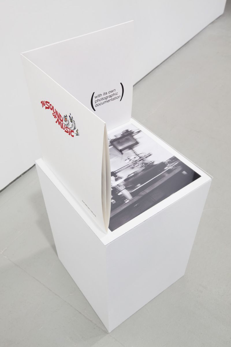 EDE_Jonathan Monk, The Sound Of Music (A Record With the Sound Of Its Own Making), 2007, 2