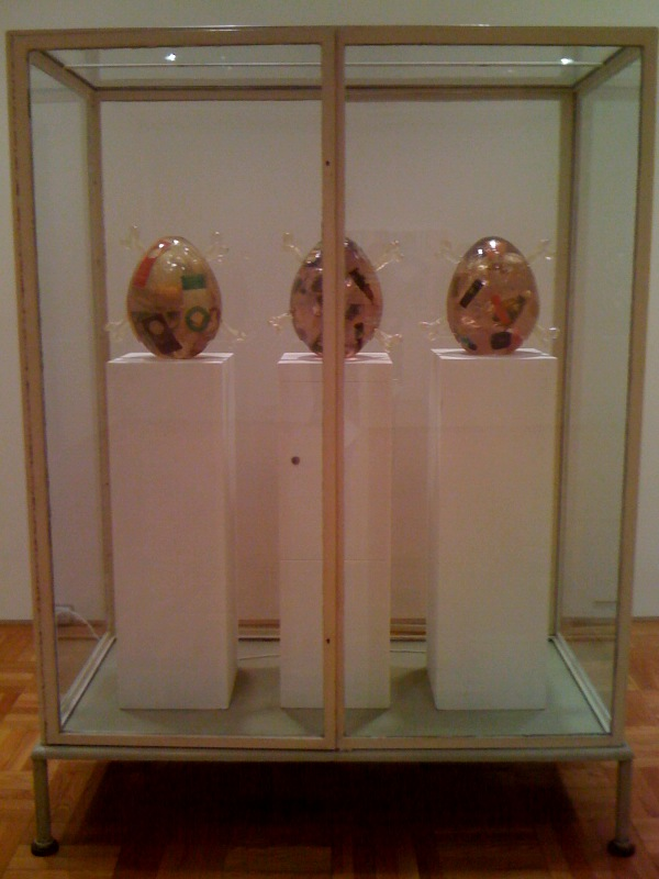 Untitled (Showcase with egg sculptures), 1996, 2