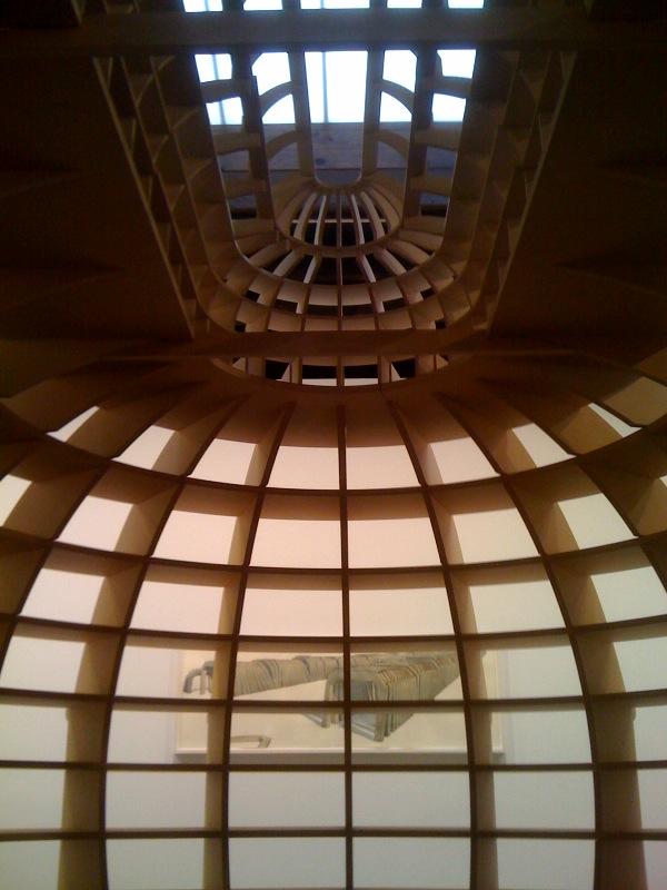 Inside Sala de Lectura Ovalada, 2011, Tunel hacia el mismo punto (diptico), 2010, outside