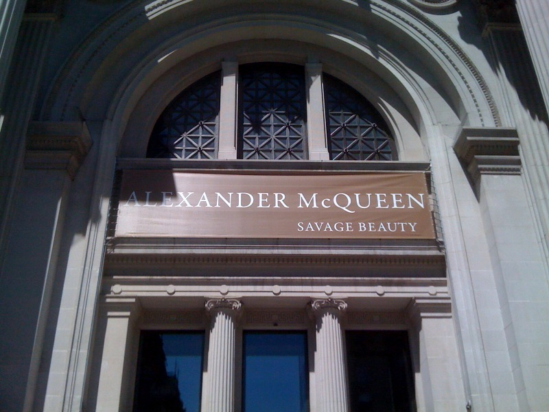 Alexander McQueen, Savage Beauty Sign